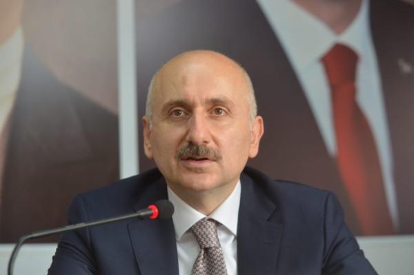 Bakan Karaismailoğlu AK Parti Rize İl Başkanlığını ziyaret etti