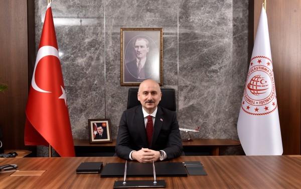 Bakan Karaismailoğlu, Kovid-19 salgını sürecinde ulaştırmaya yapılan yatırımları değerlendirdi