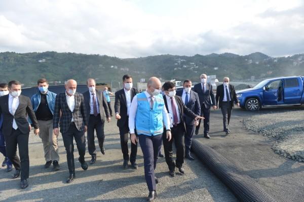 Bakan Karaismailoğlu, Rize-Artvin Havalimanı inşaatında incelemelerde bulundu