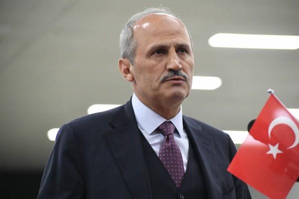 """Bakan Turhan'dan sağlık çalışanlarına """"ücretsiz ulaşım"""" müjdesi"""