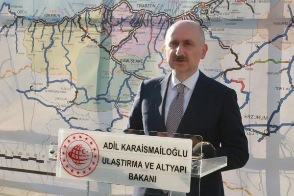 Ulaştırma ve Altyapı Bakanı Adil Karaismailoğlu Yusufeli Yol ve Tünel İnşaatlarında İncelemelerde Bulundu